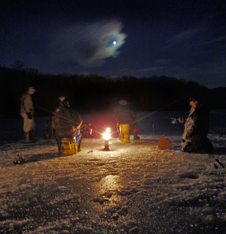 http://www.ctfisherman.com/feb09pics/night-ice.jpg