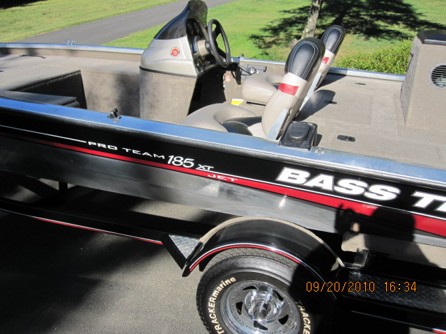 2002 Tracker Pro Team 185 Jet with trailer, by original