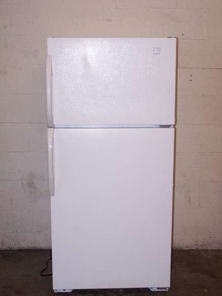 Refrigerators parts apartment size refrigerators for Apartment size ice maker