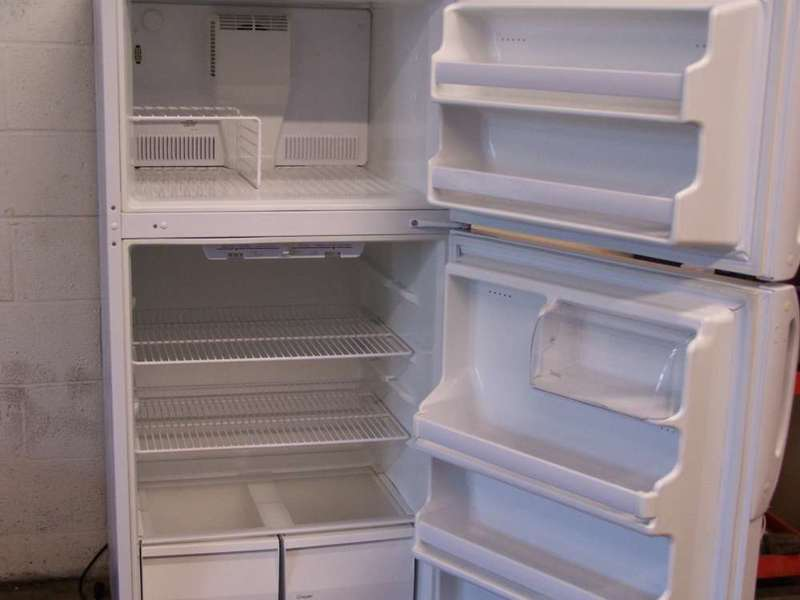 maytag apartment fridge maytag refrigerator. Black Bedroom Furniture Sets. Home Design Ideas